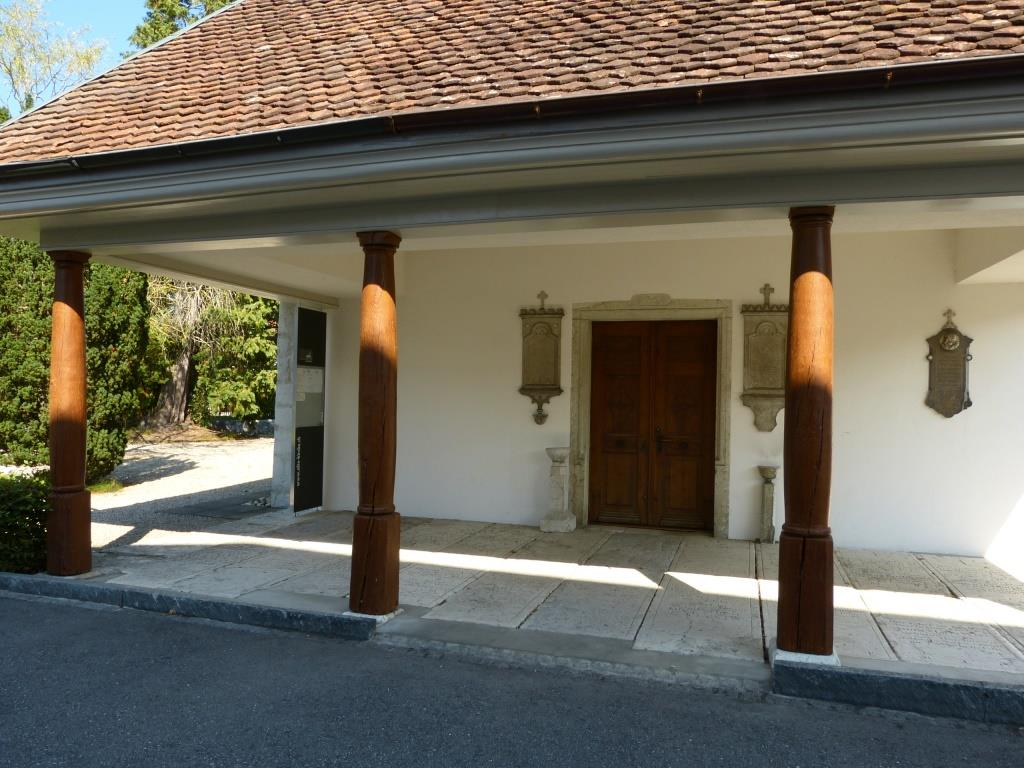Alte Kirche Eingang